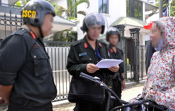 Quyền hạn của cảnh sát cơ động